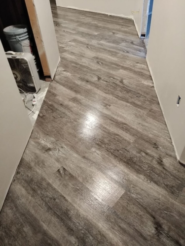 Smokey-Oak-Waterproof--Luxury-Vinyl-Plank-Fort-Collins-02